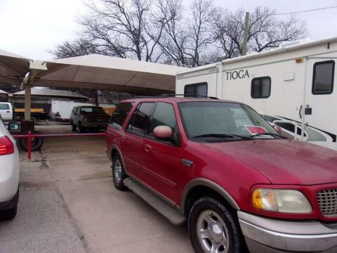 2001 Ford Expedition for sale at A ASSOCIATED VEHICLE SALES in Weatherford TX