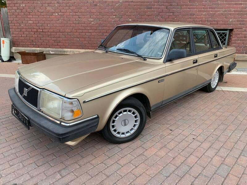 1990 Volvo 240 for sale at Euroasian Auto Inc in Wichita KS