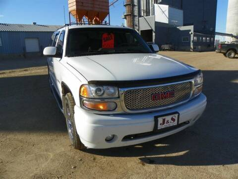 2006 GMC Yukon XL for sale at J & S Auto Sales in Thompson ND