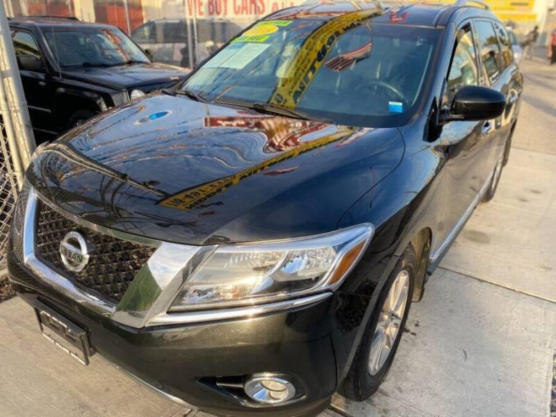 2016 Nissan Pathfinder for sale at Middle Village Motors in Middle Village NY