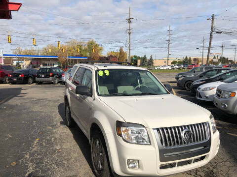 2009 Mercury Mariner for sale at Drive Max Auto Sales in Warren MI