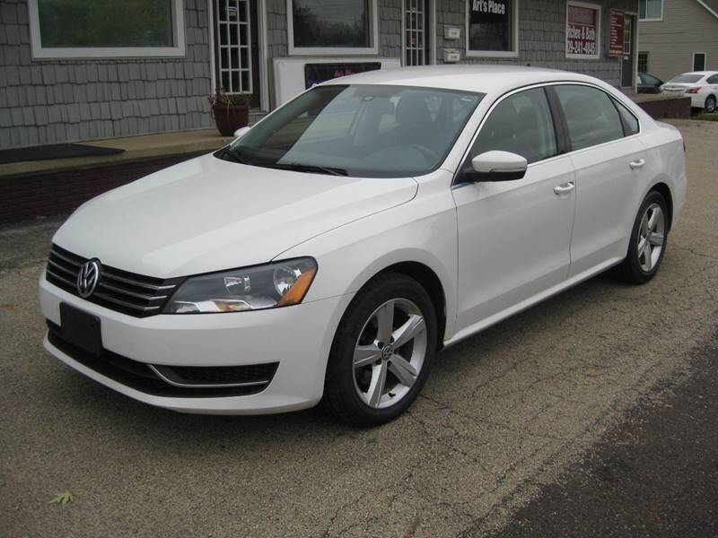 2014 Volkswagen Passat for sale at Pre-Owned Imports in Pekin IL