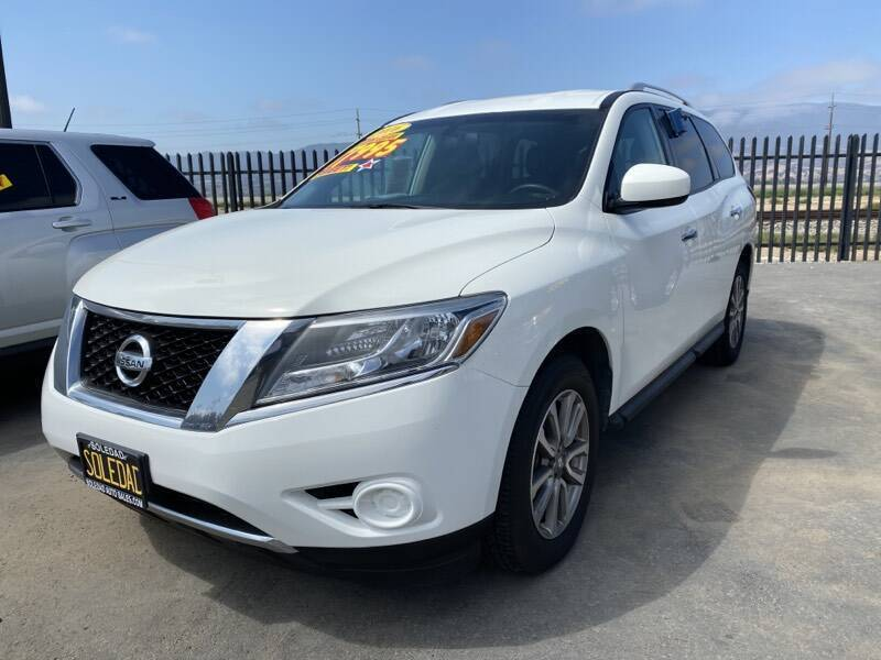 2016 Nissan Pathfinder for sale at Soledad Auto Sales in Soledad CA