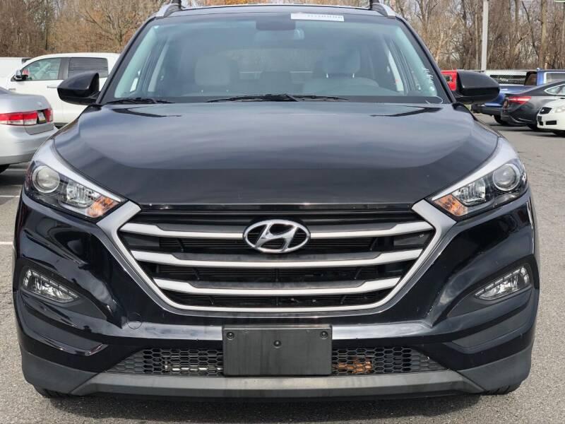 2017 Hyundai Tucson AWD SE 4dr SUV - Newark NJ