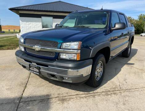 2005 Chevrolet Avalanche for sale at Auto House of Bloomington in Bloomington IL