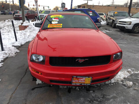 2009 Ford Mustang for sale at RON'S AUTO SALES INC in Cicero IL