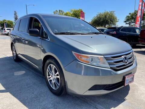 2012 Honda Odyssey for sale at MISSION AUTOS in Hayward CA