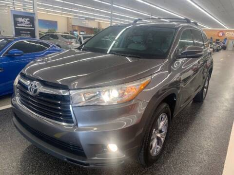 2015 Toyota Highlander for sale at Dixie Imports in Fairfield OH