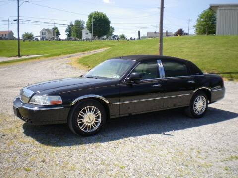 2009 Lincoln Town Car for sale at Starrs Used Cars Inc in Barnesville OH