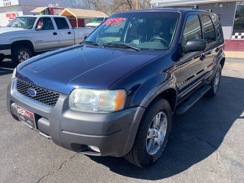 2004 Ford Escape for sale at PETE'S AUTO SALES LLC - Middletown in Middletown OH