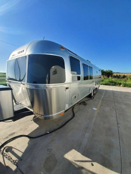 2016 airstream flying cloud 30rb for sale at Greenlight Auto Remarketing in Spartanburg SC