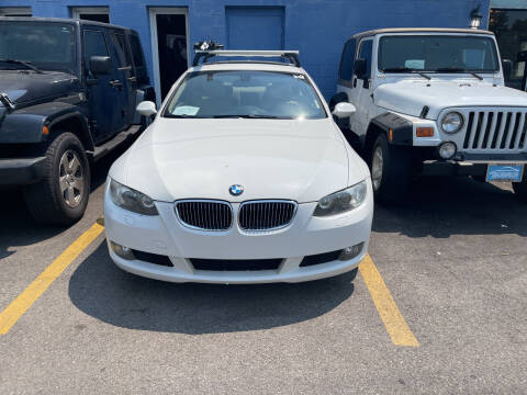 2009 BMW 3 Series for sale at Ideal Cars in Hamilton OH
