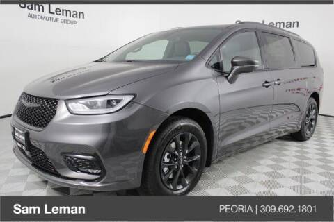 2021 Chrysler Pacifica for sale at Sam Leman Chrysler Jeep Dodge of Peoria in Peoria IL