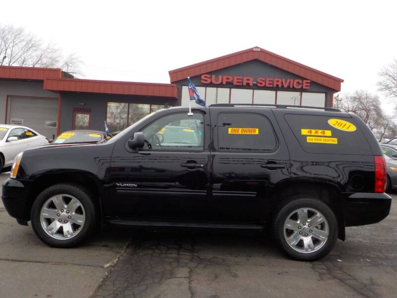 2011 GMC Yukon for sale at Super Service Used Cars in Milwaukee WI