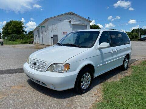 2005 Kia Sedona for sale at Tennessee Valley Wholesale Autos LLC in Huntsville AL