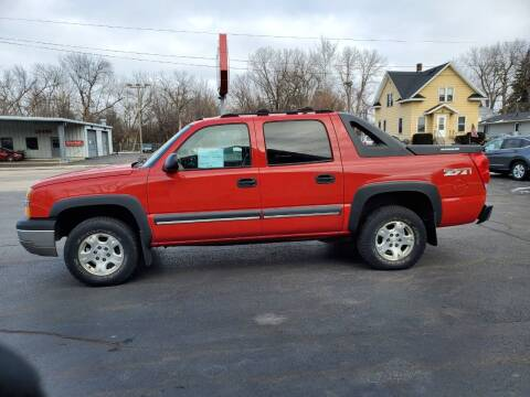 2003 Chevrolet Avalanche for sale at Deals on Wheels in Oshkosh WI