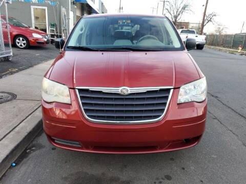 2008 Chrysler Town and Country for sale at SUNSHINE AUTO SALES LLC in Paterson NJ