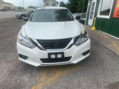2018 Nissan Altima for sale at Unique Motors in Rock Island IL