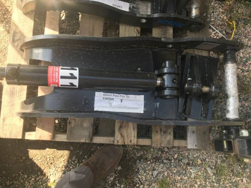 Caterpillar Hydraulic Thumb for sale at Vehicle Network - Joe's Tractor Sales in Thomasville NC
