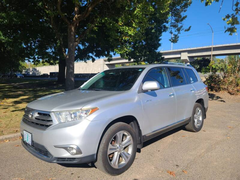 2011 Toyota Highlander for sale at EXECUTIVE AUTOSPORT in Portland OR