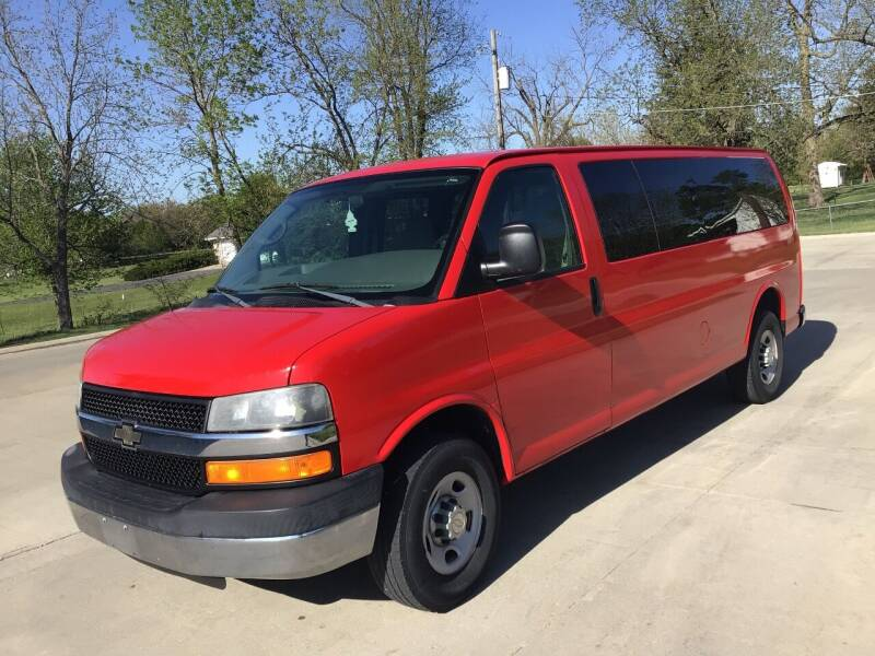 2007 Chevrolet Express Passenger for sale in Dallas Center, IA