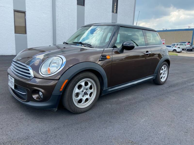 2012 MINI Cooper Hardtop for sale at Automotive Brokers Group in Plano TX