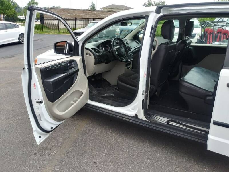 2006 Chrysler Town and Country for sale at ENZO AUTO in Parma OH