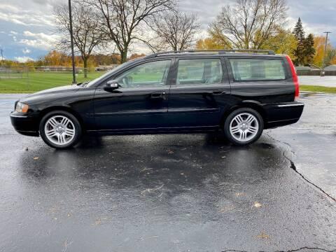 2007 Volvo V70 for sale at Caruzin Motors in Flint MI