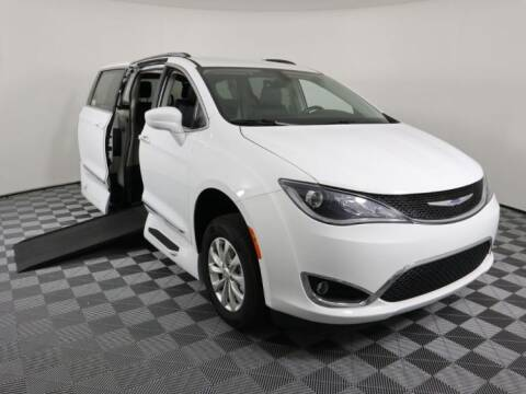 2019 Chrysler Pacifica for sale at AMS Vans in Tucker GA