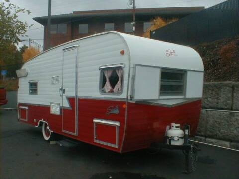"""2016 Forest River 20' Retro Shasta """"Ladybird"""" for sale at Dick Vlist Motors, Inc. in Port Orchard WA"""