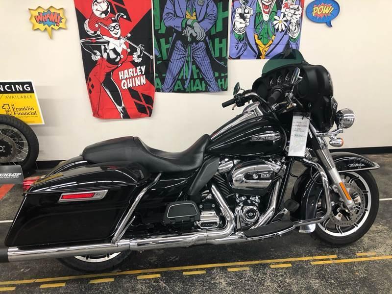 2018 Harley-Davidson FLHTCU