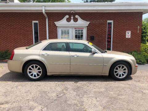 2006 Chrysler 300 for sale at Premium Auto Sales in Fuquay Varina NC