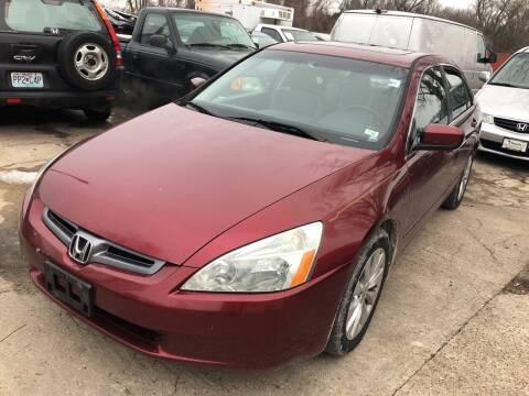 2004 Honda Accord for sale at Best Deal Motors in Saint Charles MO