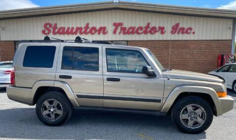 2006 Jeep Commander for sale at STAUNTON TRACTOR INC in Staunton VA