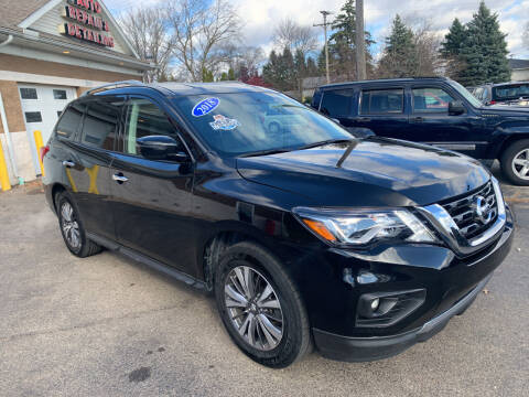 2018 Nissan Pathfinder for sale at A 1 Motors in Monroe MI