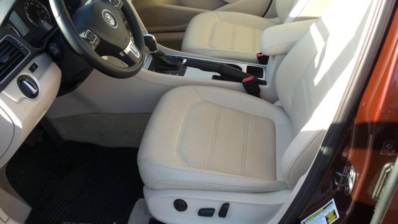 2013 Volkswagen Passat SE PZEV 4dr Sedan 6A w/ Sunroof - Albany NY