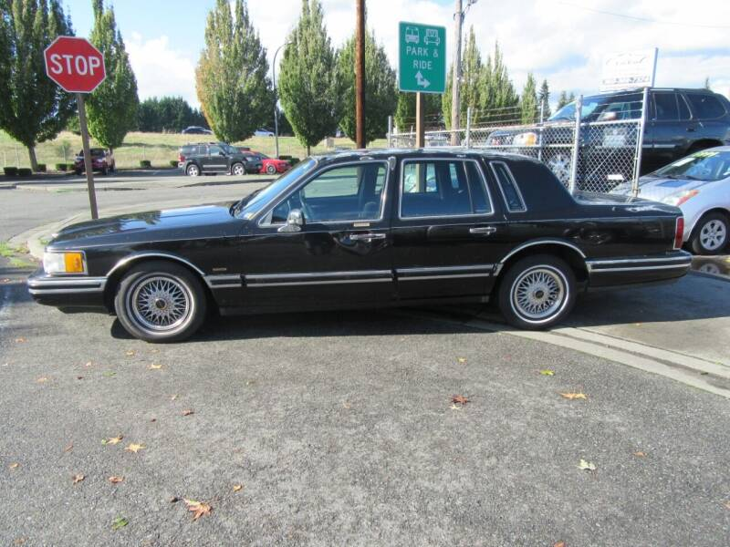 1994 Lincoln Town Car for sale at Car Link Auto Sales LLC in Marysville WA