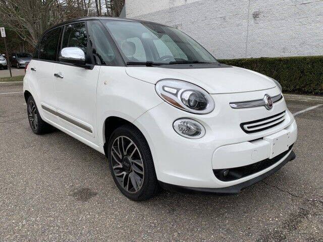 2014 FIAT 500L for sale at Select Auto in Smithtown NY