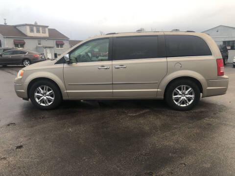 2008 Chrysler Town and Country for sale at Village Motors in Sullivan MO