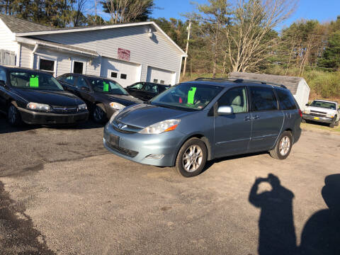 2006 Toyota Sienna for sale at CENTRAL AUTO SALES LLC in Norwich NY