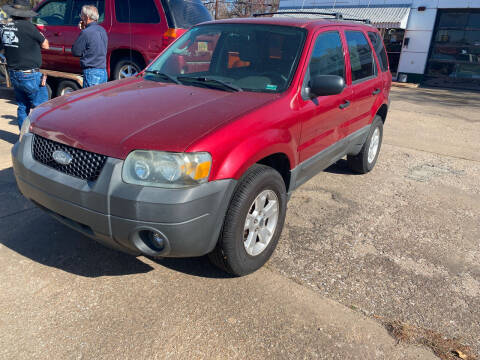 2005 Ford Escape for sale at Hall's Motor Co. LLC in Wichita KS