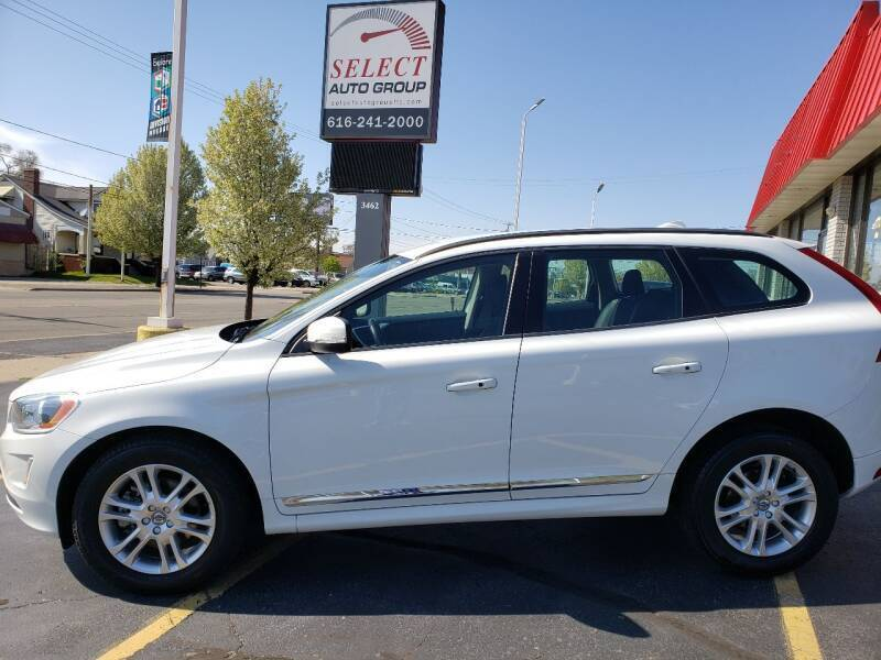 2016 Volvo XC60 for sale at Select Auto Group in Wyoming MI