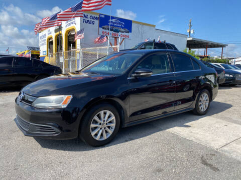 2013 Volkswagen Jetta for sale at INTERNATIONAL AUTO BROKERS INC in Hollywood FL