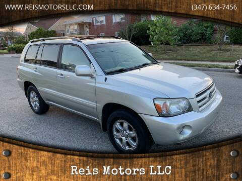 2005 Toyota Highlander for sale at Reis Motors LLC in Lawrence NY