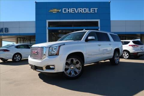 2017 GMC Yukon XL for sale at Lipscomb Auto Center in Bowie TX