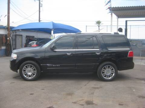 2009 Lincoln Navigator for sale at Town and Country Motors in Mesa AZ
