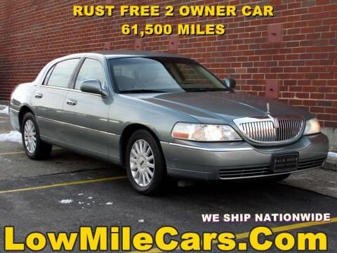 2005 Lincoln Town Car for sale at A1 Auto Sales in Burr Ridge IL