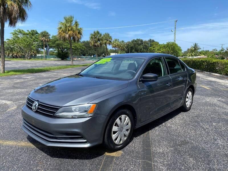 2016 Volkswagen Jetta for sale at Lamberti Auto Collection in Plantation FL