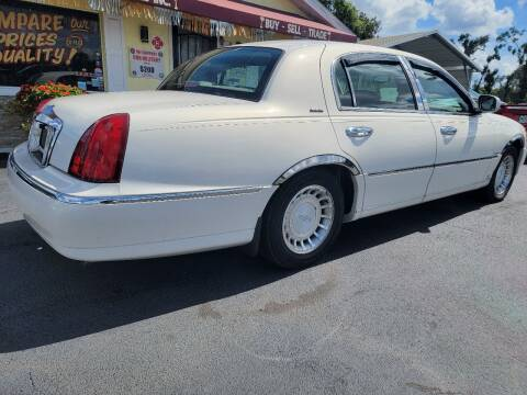 2001 Lincoln Town Car for sale at ANYTHING ON WHEELS INC in Deland FL