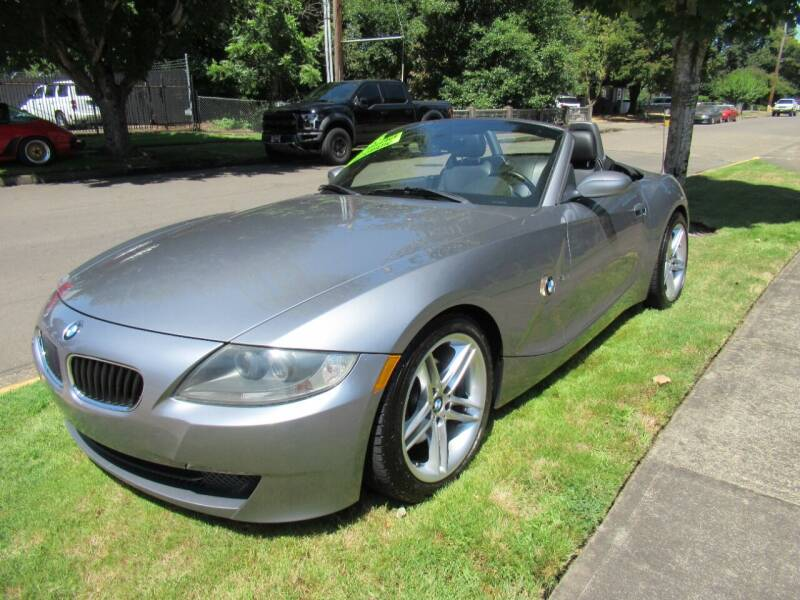 2006 BMW Z4 for sale at LULAY'S CAR CONNECTION in Salem OR